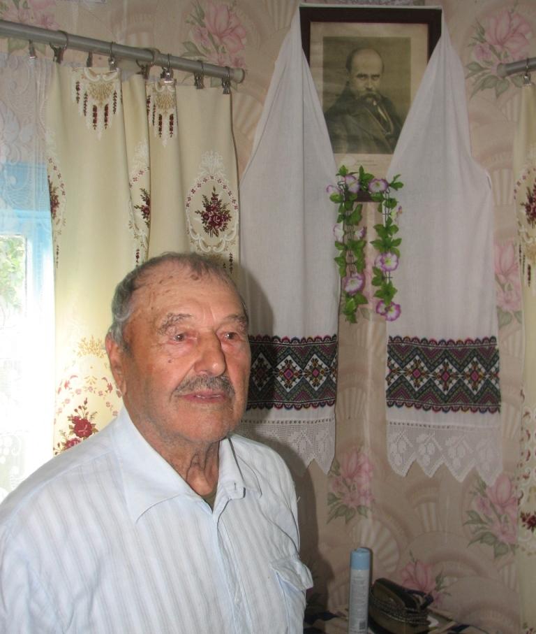 Не зважаючи на похилий вік і повну втрату зору, ветеран УПА Степан Бакунець, готовий судитися з польськими наклепниками навіть в Польщі.
